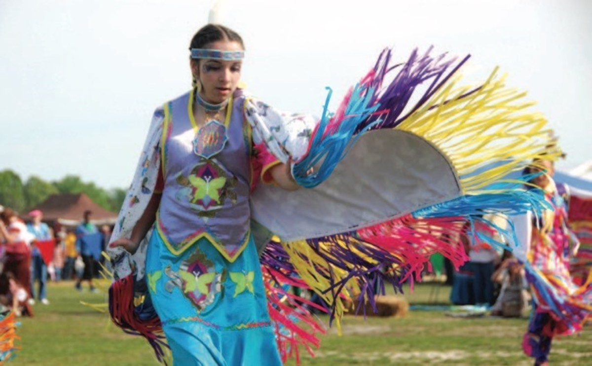 ICMN MAGAZINE_1_April_May_2017_Page_084_pow wow fancy shawl dance_vincnet schilling